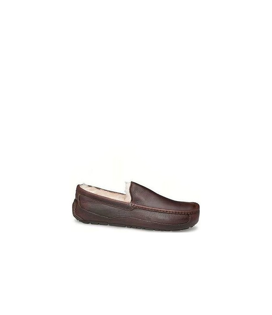 UGG�  Ascot Men's Leather Slippers