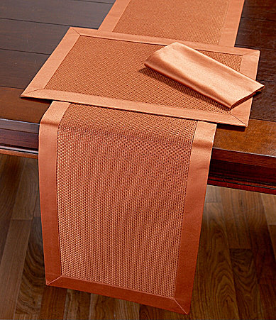 Noble Excellence Monticello Table Linens