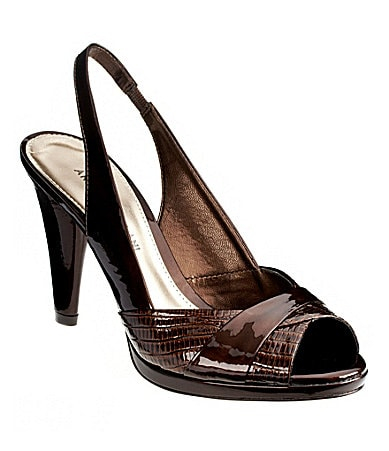 Antonio Melani Neomy Pumps