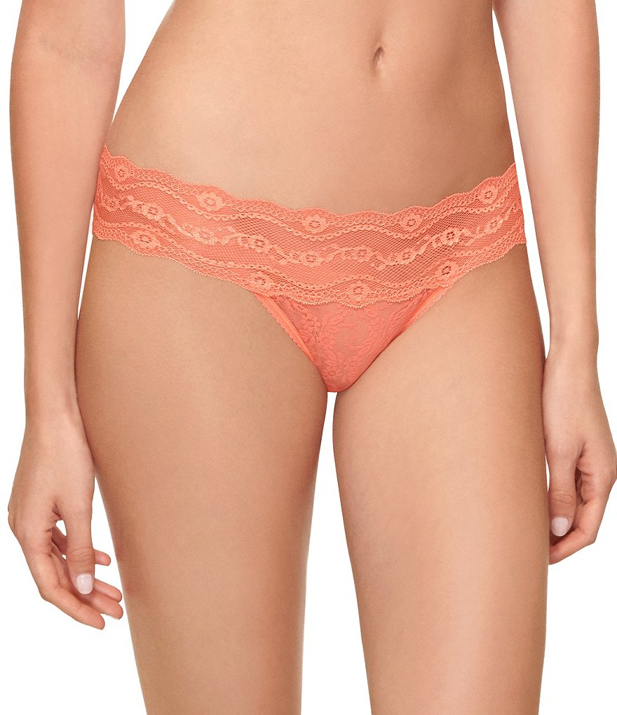 b.tempt´d by Wacoal Lace Kiss Thong
