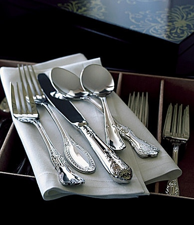 Wallace Silversmiths Hotel 77-Piece Flatware Set