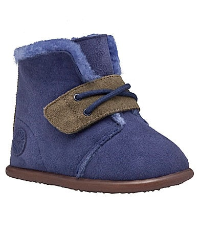 UGG Australia Infants Lil Chuck Crib Shoes