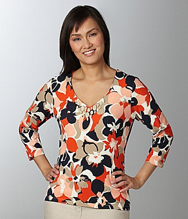 Ruby Rd. Woman V-Neck Floral Knit Top