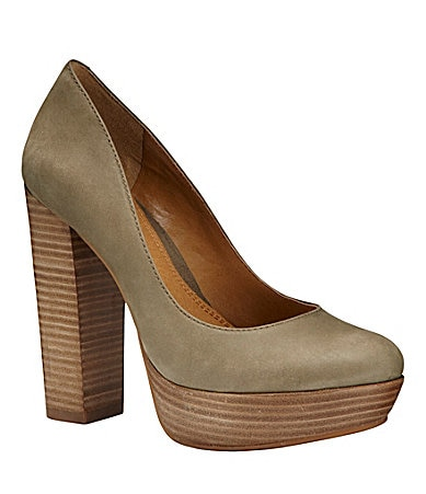 GB Gianni Bini So-Chic Round Toe Platform Pump