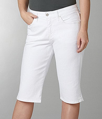 Levi�s Plus 512 Skimmer Shorts
