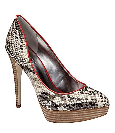 Guess Ostena Pumps