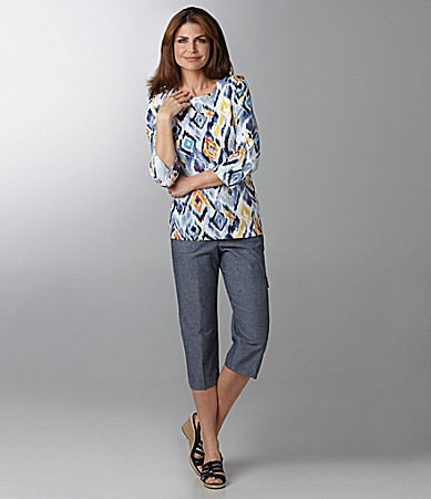 Samantha Grey Ikat Diamond Knit Top & Chambray Cargo Capri Pants