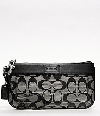COACH HAMPTONS WEEKEND SIGNATURE COLORBLOCK GO GO LARGE WRISTLET
