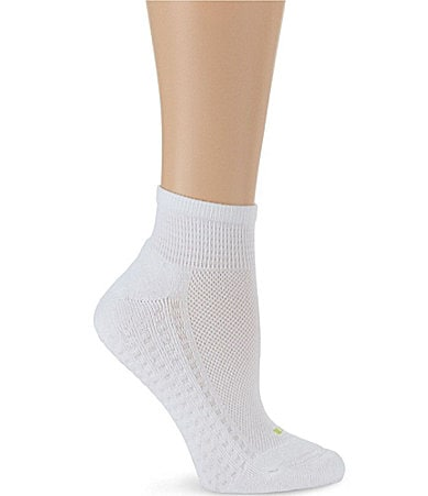 HUE Air Cushion Sport Quarter Top Socks