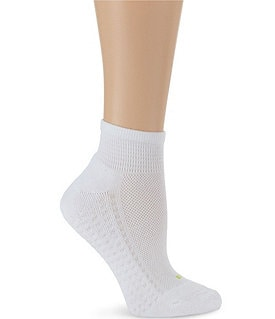 HUE Air Cushion Sport Quarter Top Socks 3-Pack Image