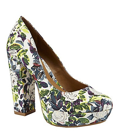 GB Gianni Bini So-Chic Round Toe Platform Pumps
