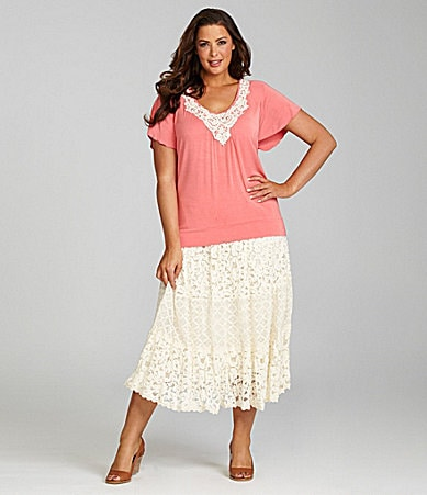 Reba Woman Flutter Sleeve V-Neck Knit Top & Vintage Lace Tier Skirt