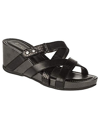 Naturalizer Pakuna Slip-On Wedge Sandals