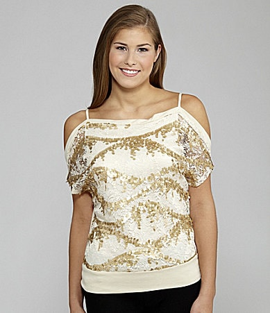 Soulmates Cold-Shoulder Lace Top