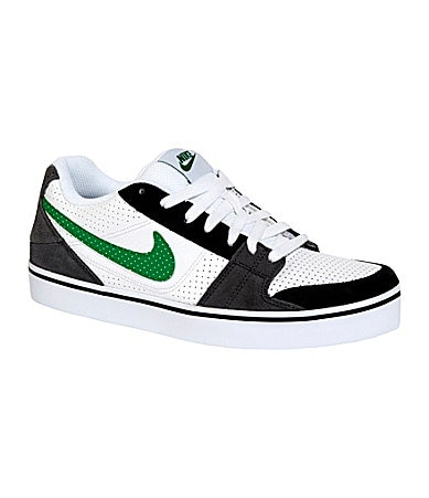 Nike Men�s Ruckus Low Sneakers