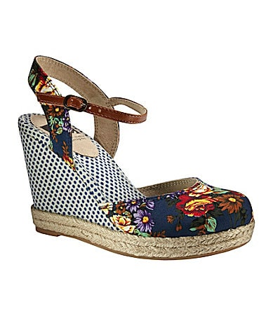 BC Smirk Wedge Sandals