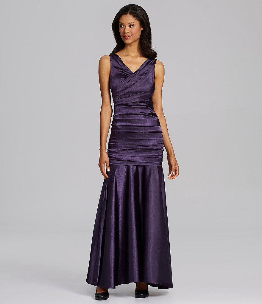 Calvin Klein Sleeveless V-Neck Mermaid Gown