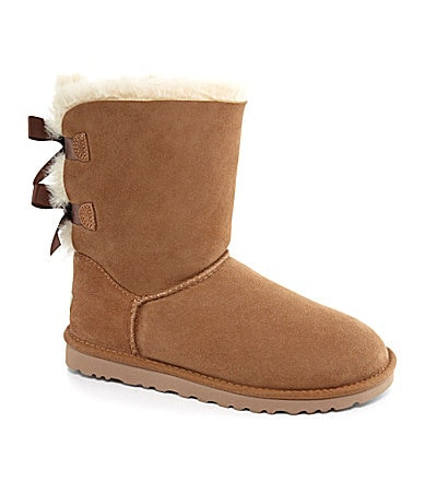 UGG� Australia Women�s Classic Short Bailey Bow Boots