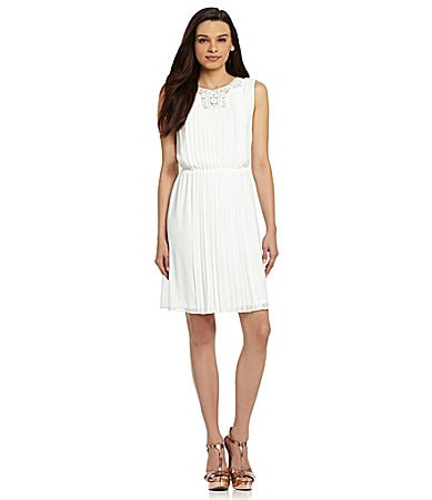 Jessica Simpson Sleeveless Pleated Dress