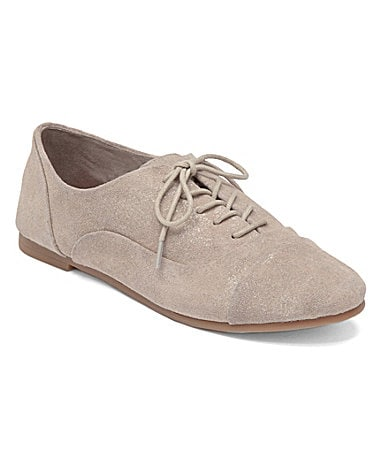 Shop Dillard's selection of women's oxfords, available in your favorite brands and styles.