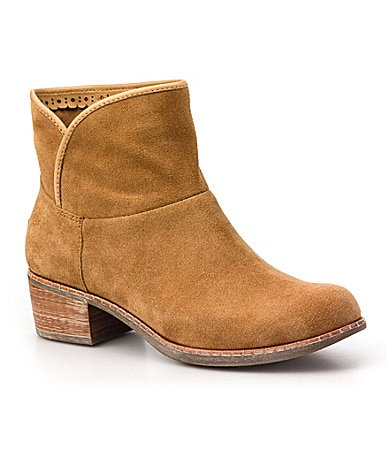 UGG� Australia Women�s Darling Booties