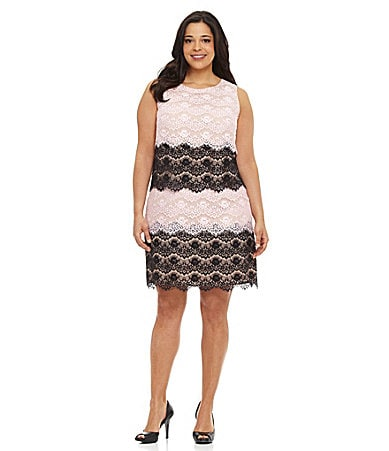Jessica Simpson Woman Scalloped Lace Dress