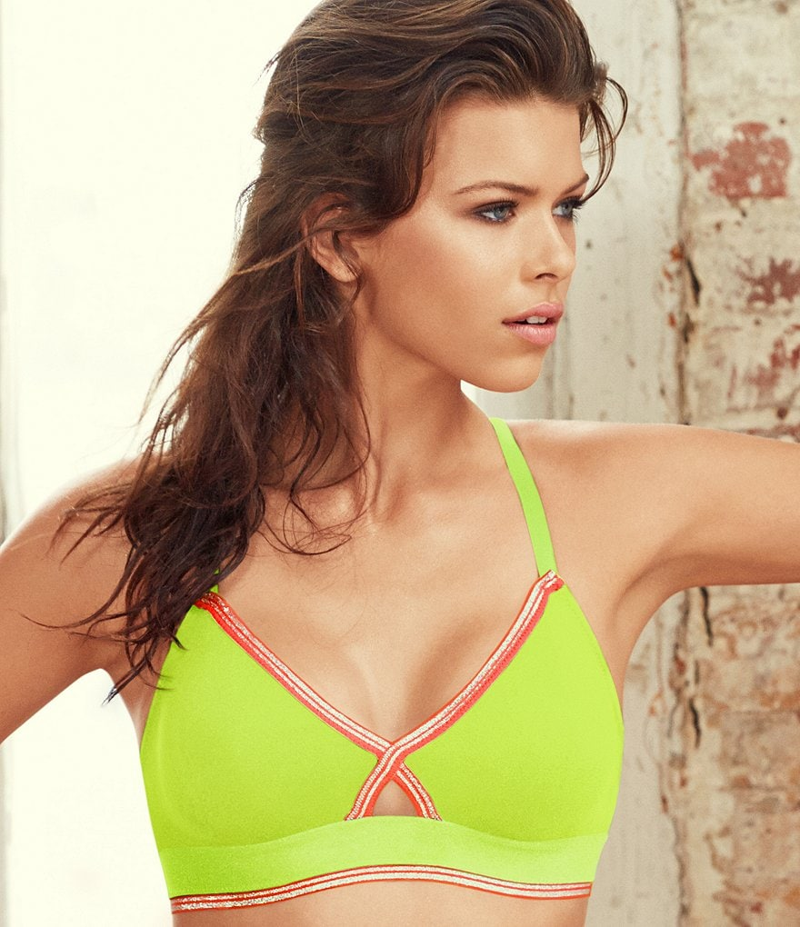 b.tempt´d by Wacoal b.active Convertible Keyhole Sports Bra