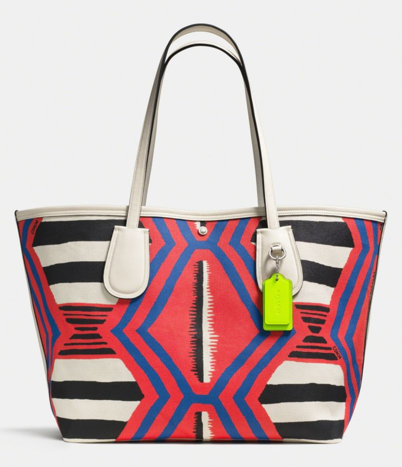 COACH TAXI TOTE 36 IN PRINTED CANVAS
