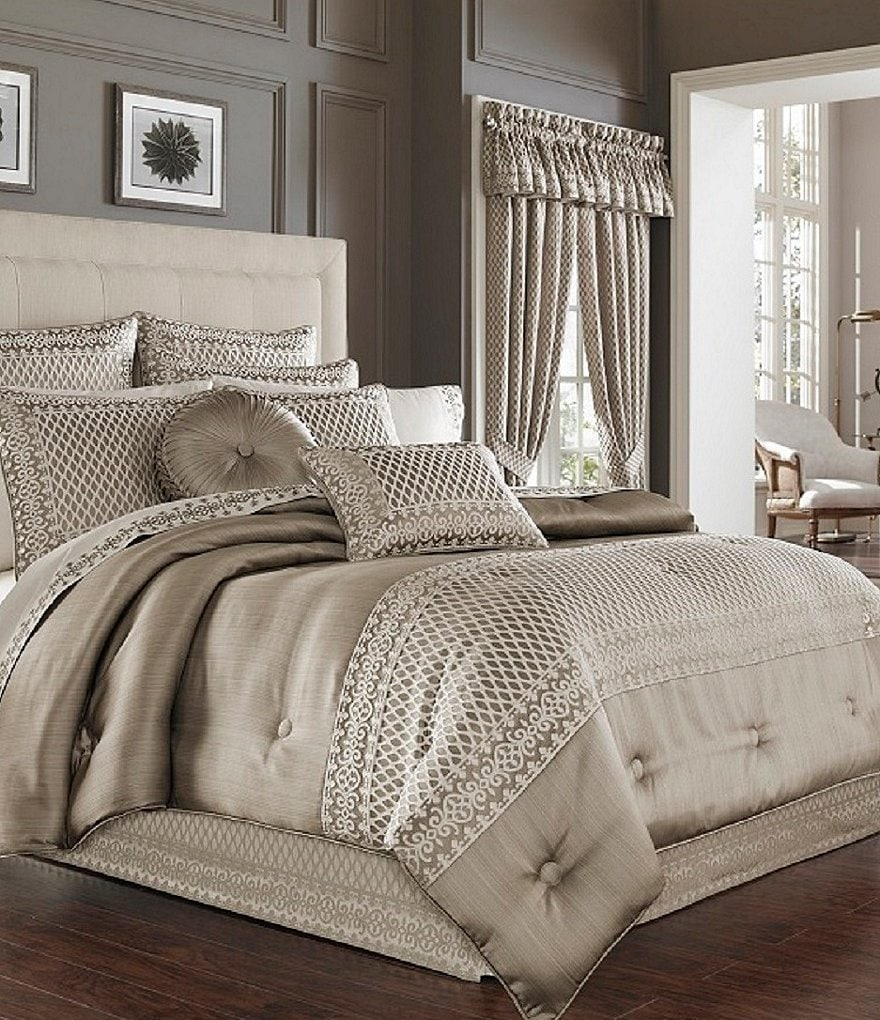 J. Queen New York Bohemia Bordered Comforter Set