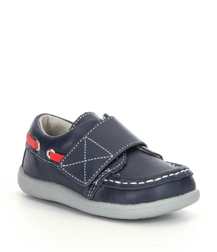 • Check out the hottest shoe styles for boys, from First Walkers to Grade School.