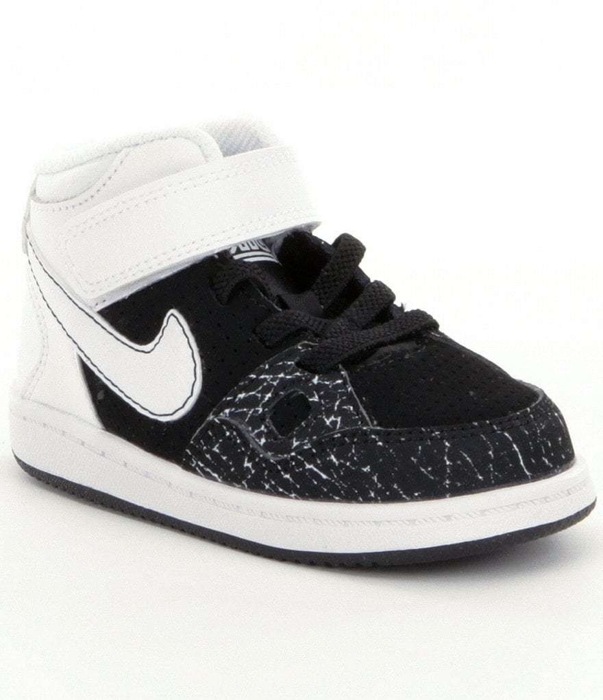 Nike Boys´ Son of Force Basketball Shoes