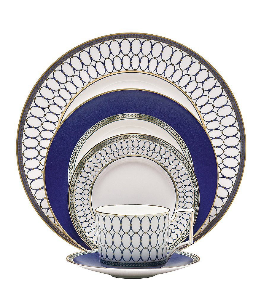 Wedgwood Renaissance Gold Neoclassical China 5-Piece Place Setting