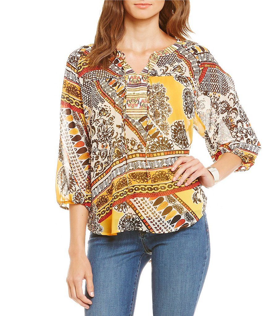 Figueroa & Flower Asia Gold Print 3/4 Sleeve Lace Back Woven Blouse