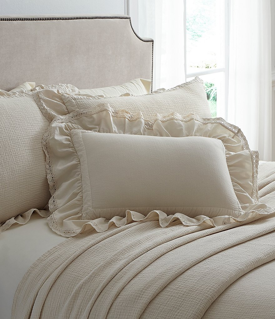 Villa by Noble Excellence Mara Ruffled Matelassé Coverlet Mini Set