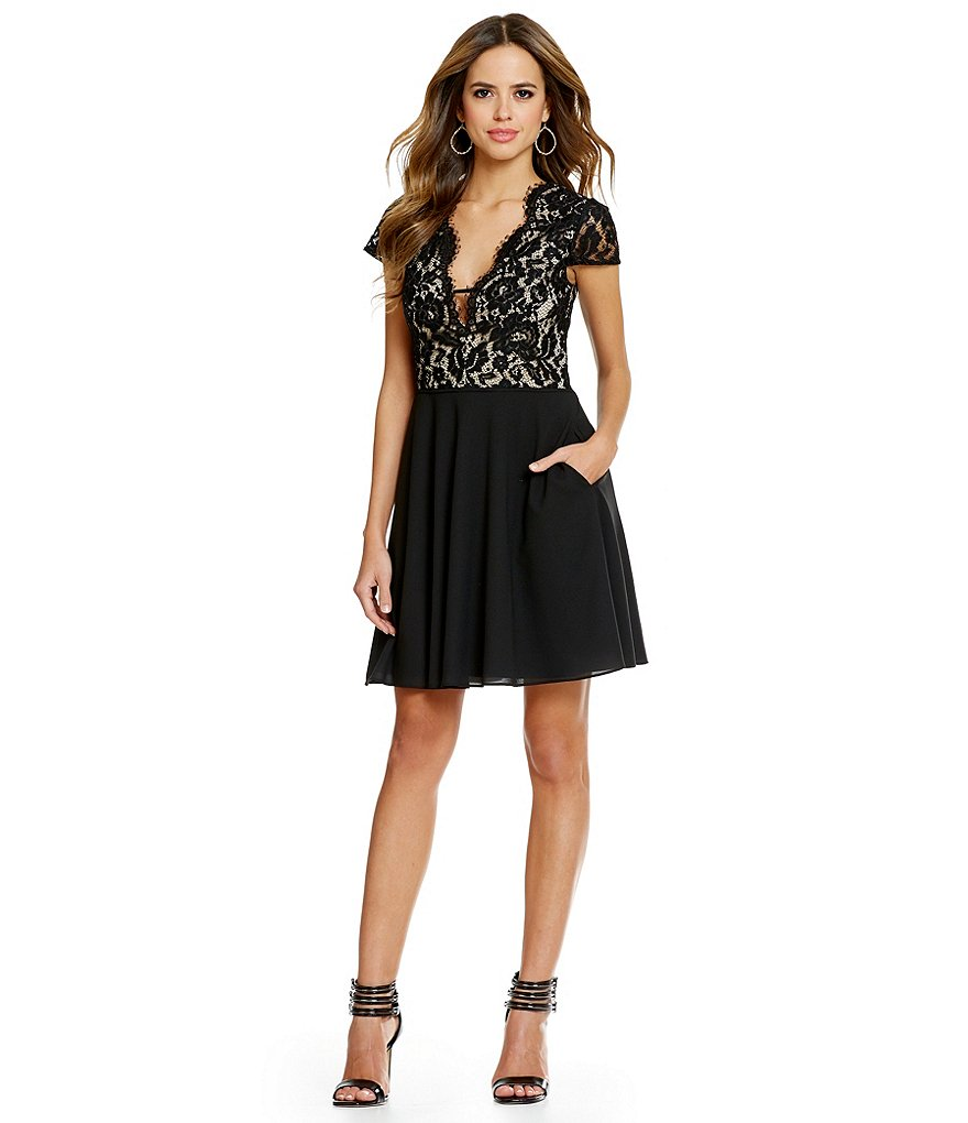 Gianni Bini Elise Scalloped Lace Dress