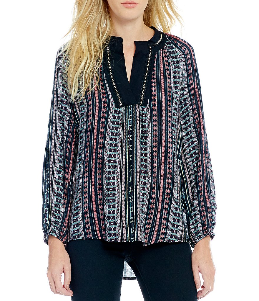Jessica Simpson Calista Ray Woven Pattern Crepe Blouse