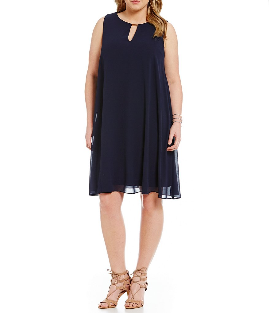 Vince Camuto Plus Keyhole Chiffon Dress