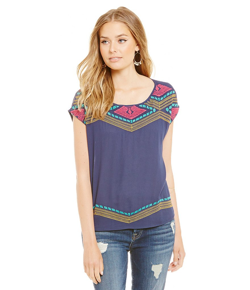 THML Diamond Embroidered Short Sleeve Top