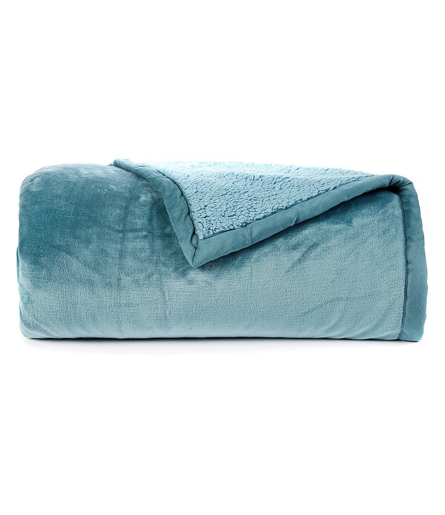 Noble Excellence Faux-Sherpa Bed Blanket