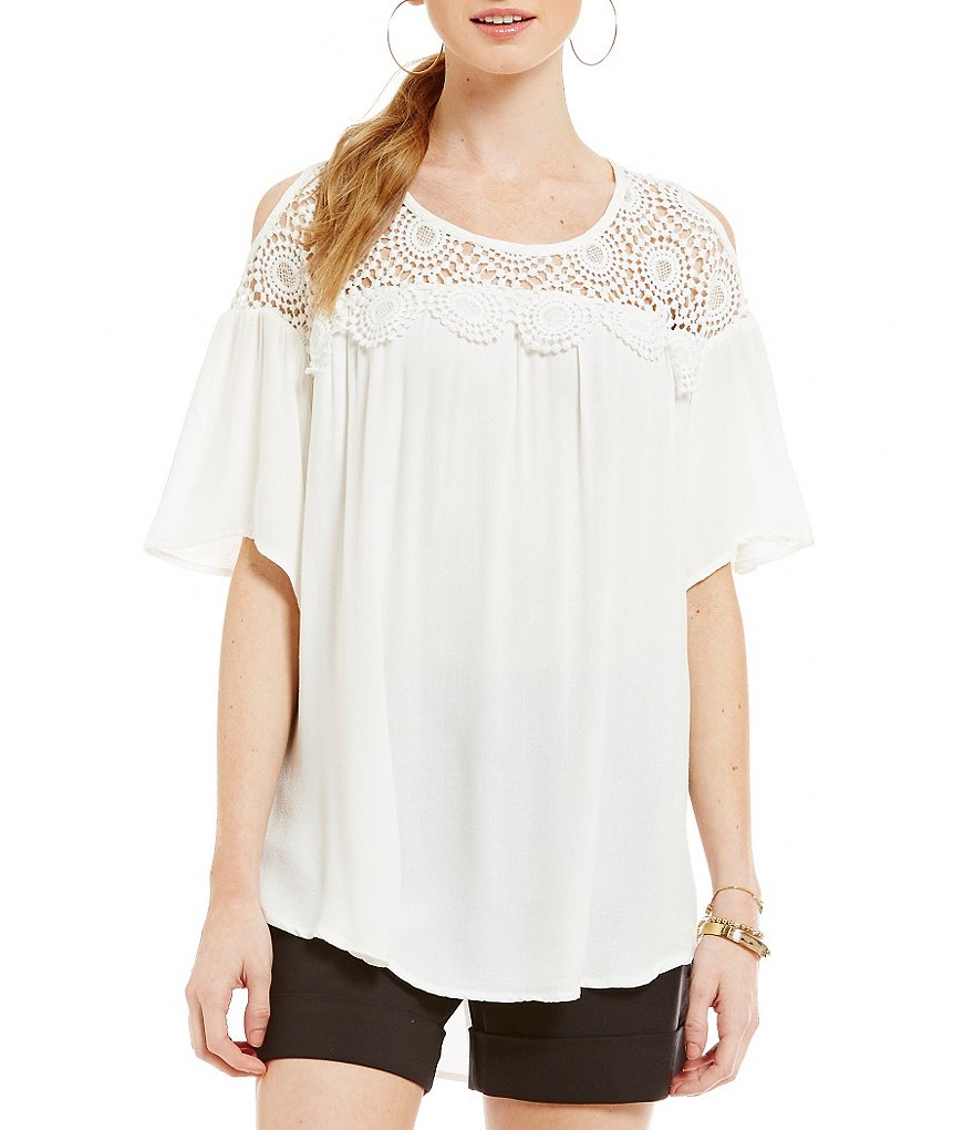 Gibson & Latimer Cold Shoulder Knit Top