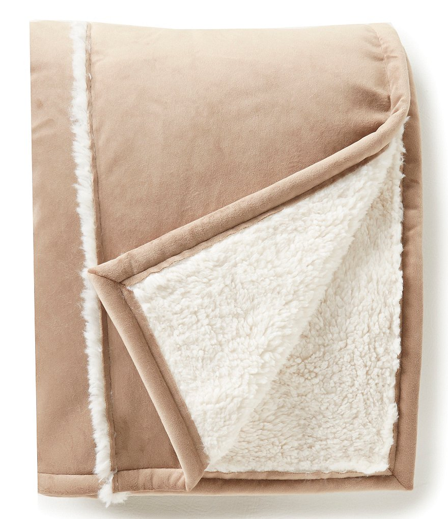 Noble Excellence Faux-Suede & Faux-Sherpa Throw