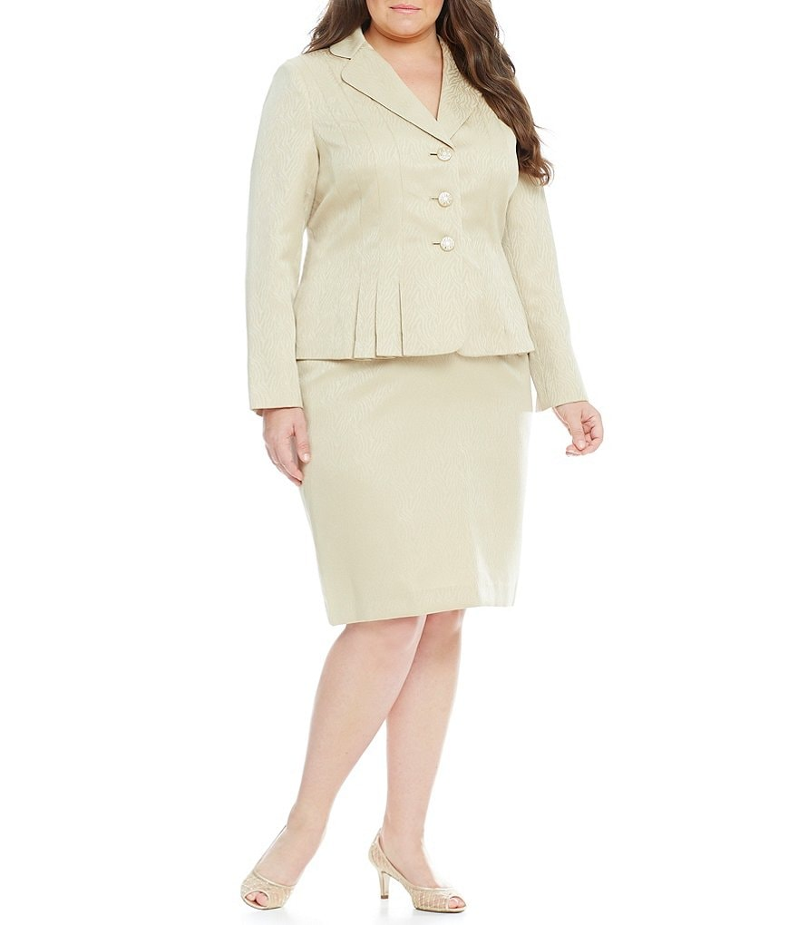 Kasper Plus 2-Piece Jacquard Skirt Suit