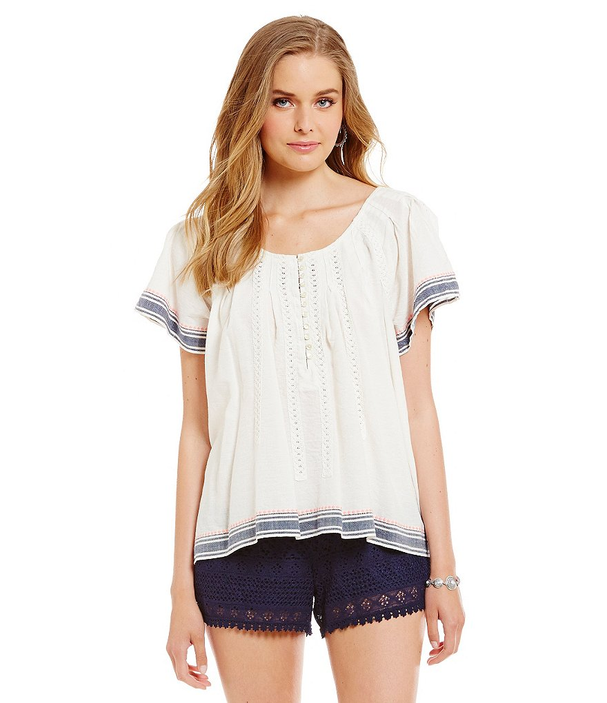 Chelsea & Violet Button Front Short-Sleeve Blouse