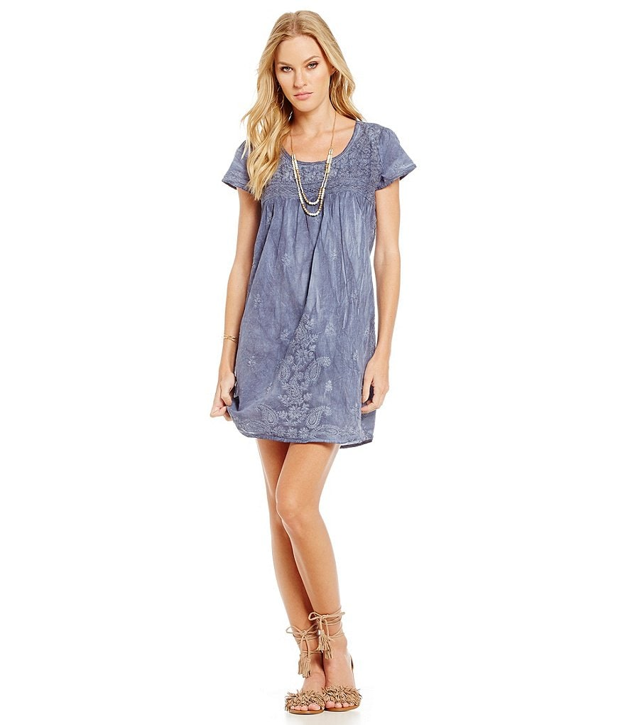 Chelsea & Violet Cap Sleeve Shift Dress