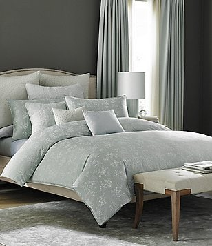 Luxury Bedding For A Fantasy Bedroom With Lavish Details