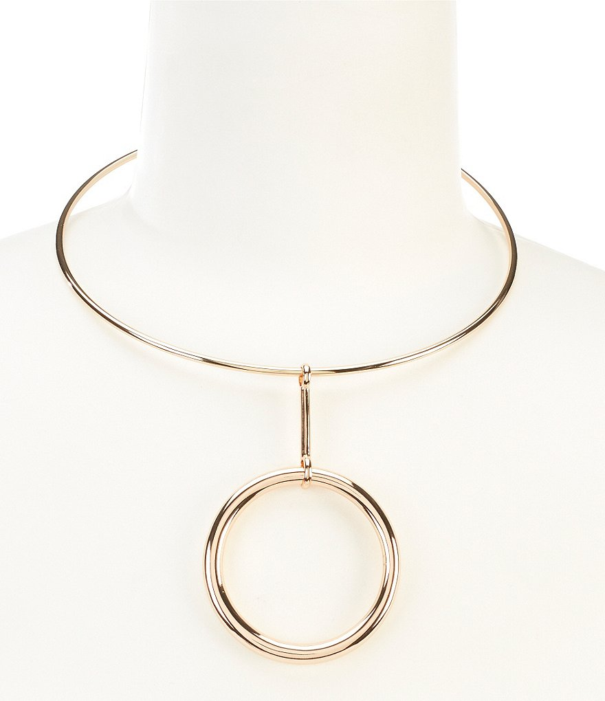 Vince Camuto Ring Leader Circle Pendant Choker Collar Necklace