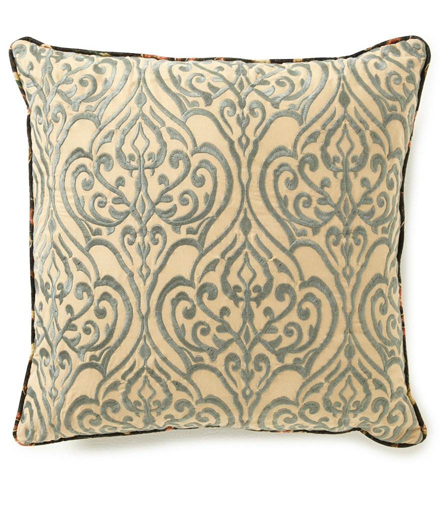 Villa by Noble Excellence Pasaro Square Pillow