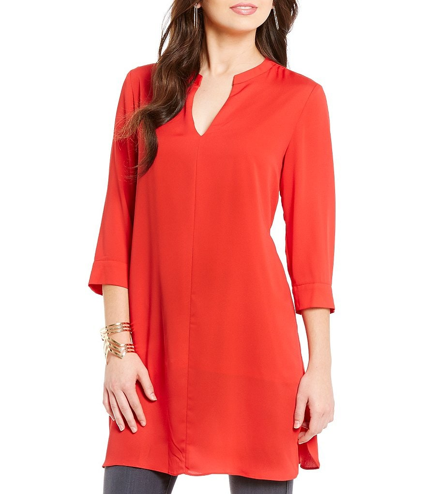 Collective Concepts Long Sleeve Split V-Neck Tunic Top