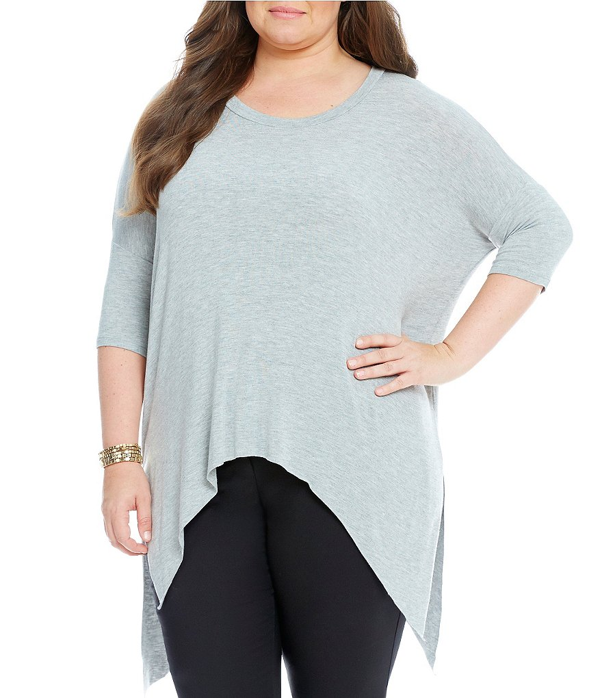 Gibson & Latimer Plus Over-sized Sharkbite Hem Knit top