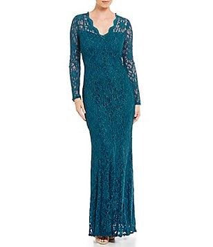 Decode 1.8 Scalloped V-Neck Lace Mermaid Gown